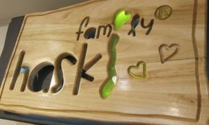 Дървена светеща рекламна табела - поръчител Haski Family